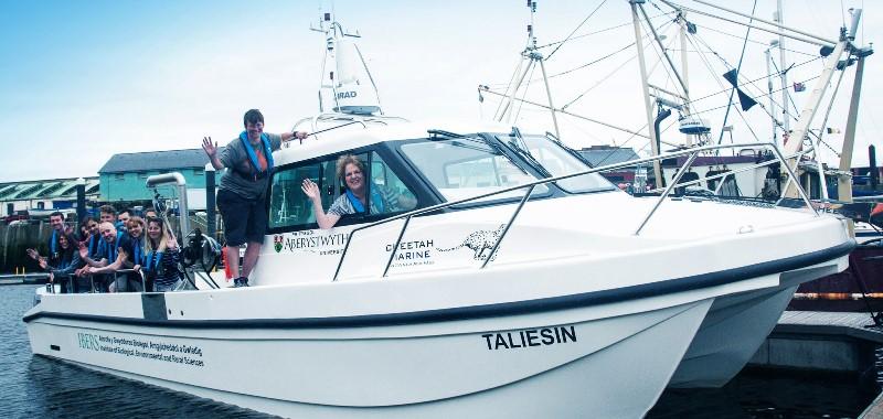 Cwch ymchwil y Brifysgol / University research boat